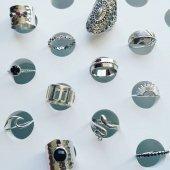 💥REBAJAS💥 Haz tu combinación de anillos perfecta♥️ Finos, grandes, lisos, con piedras, ¿cuál es el tuyo?  www.bylula.es
