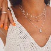 Nos encanta esta combinación con el collar Hawái granate, está disponible en 5 tipos de piedras❤️  ¿Cuál es tu favorito?  www.bylula.es